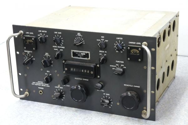 軍事用受信機の名機、R-390シリーズを買取中